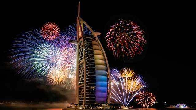 Watch Dubai New Year's Eve fireworks live on Twitter