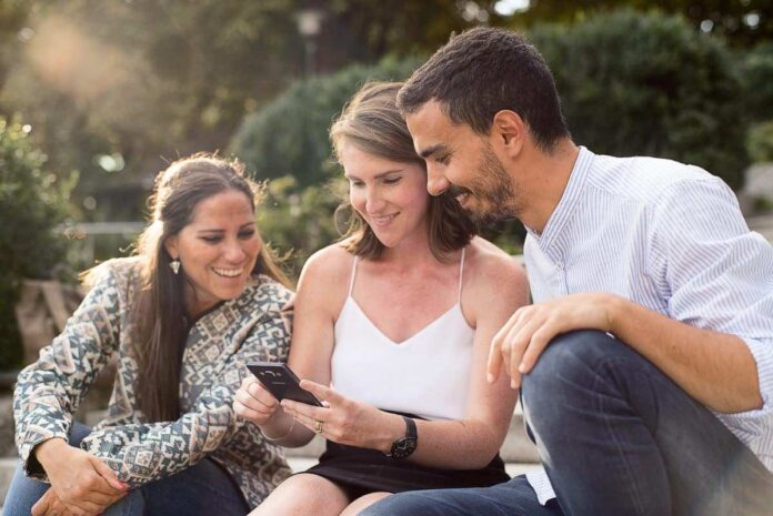 internations tips on how to manage a global facebook