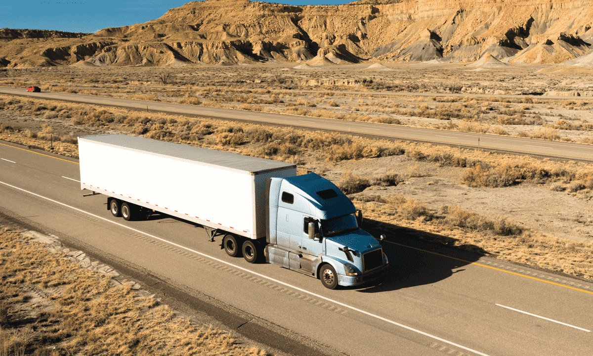 7 Advantages to Becoming a Long-Haul Truck Driver