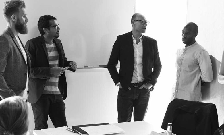 Startup Business Team Brainstorming on Meeting Workshop, Things You Should And Shouldn't Do To Make Meetings Productive